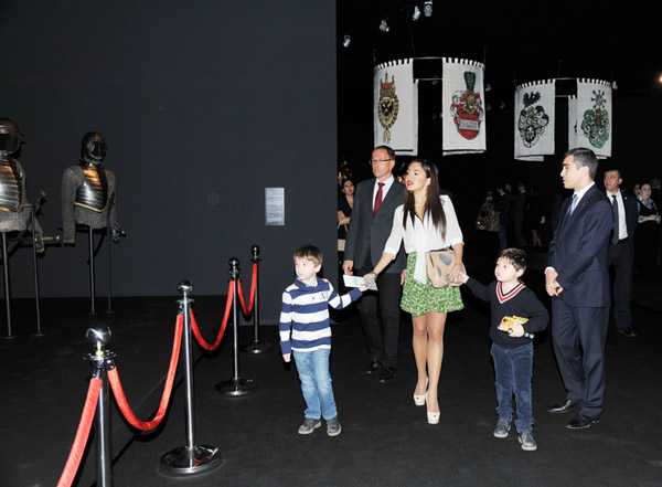 В Центре Гейдара Алиева открылась выставка «Легенда оружия»