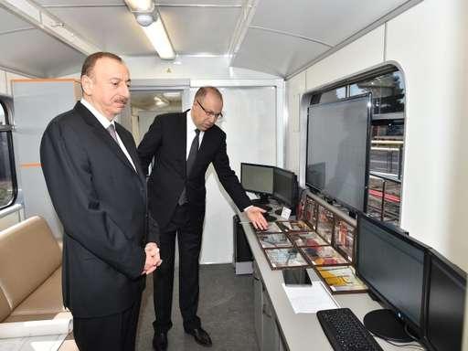 Президент Ильхам Алиев ознакомился с новыми поездами Бакинского метрополите ...