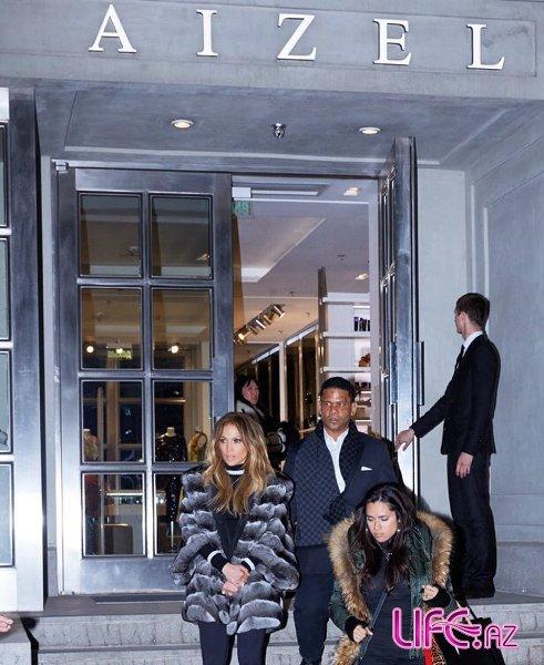 Дженнифер Лопес устроила в Москве шопинг после свадьбы: Айсель Трудел снова помогла модными советами