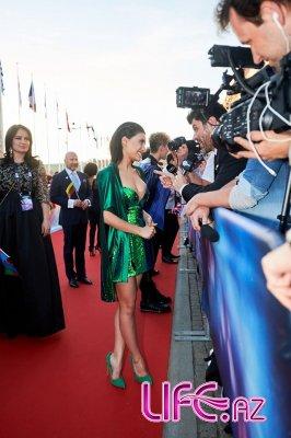 Сямра Рагимли на красной дорожке церемонии открытия «Евровидения 2016»