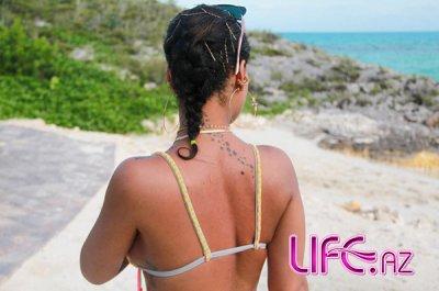 Рианна отдыхает на Карибских островах