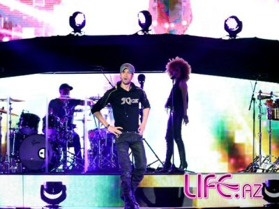 Энрике Иглесиас дал концерт в Баку