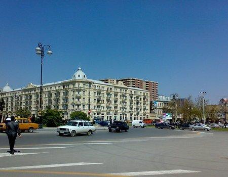 Новая полоса движения исключит заторы в районе круга «Бешмертебе» в Баку