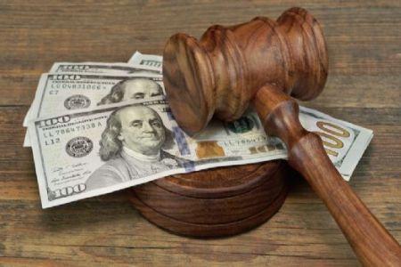 На валютном аукционе курс доллара составил 1,7351