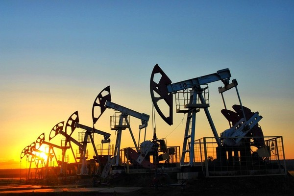 Цена азербайджанской нефти приближается к 65 долларам