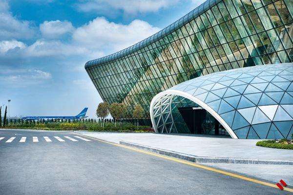 Самолет, совершивший экстренную посадку в Баку, вылетит в Москву завтра [Об ...