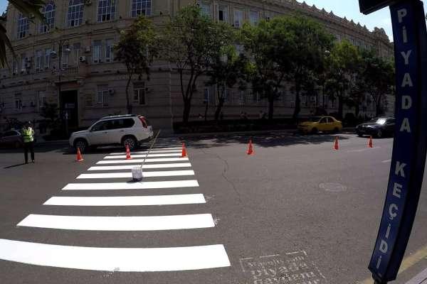 Дорожная полиция призывает бакинцев пользоваться пешеходными переходами