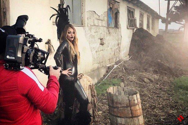 Айгюн Кязымова презентовала бэкстейдж со съемок клипа «Cücələrim»