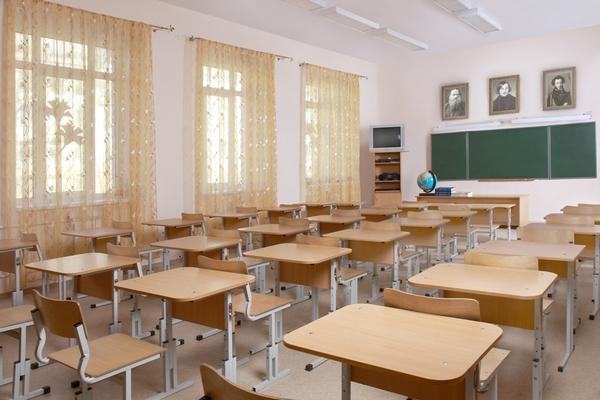 Названо число школьников, учащихся на русском языке в Азербайджане