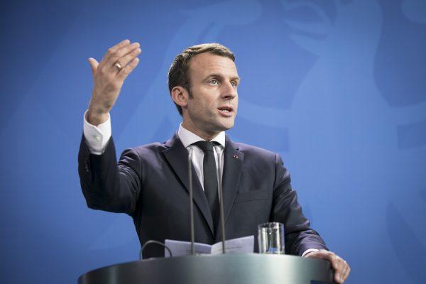 Макрон пообещал восстановить собор Парижской Богоматери за 5 лет