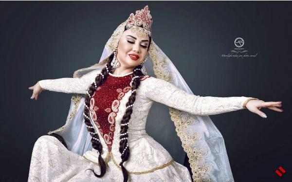Фатима Фаталиева представила фотосет к 20-летию творческой деятельности