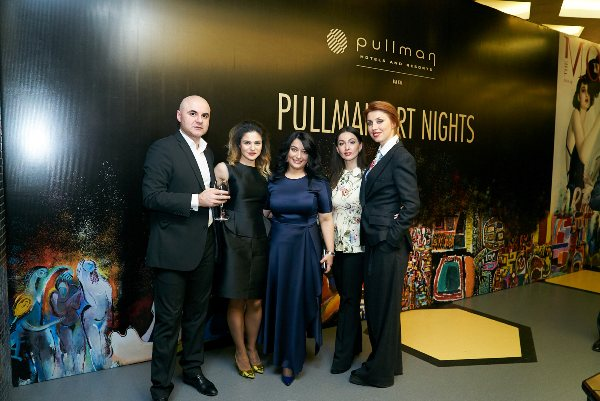 """В Баку состоялась выставка """"Pullman Art Nights"""""""