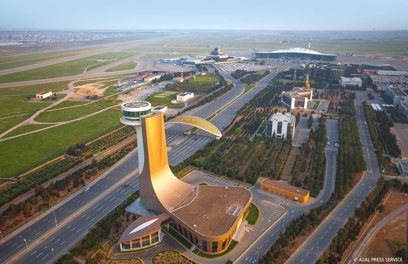 Воздушные ворота Баку с птичьего полета