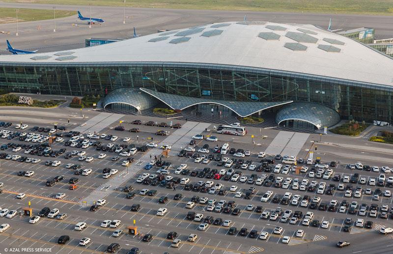 Международный аэропорт Баку установил новый рекорд по пассажиропотоку