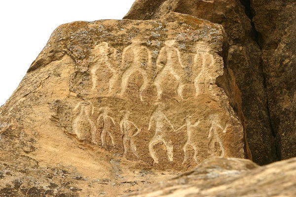 В прошлом году число посетивших Гобустанский заповедник туристов выросло вдвое