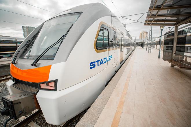 Снижена стоимость проезда в бизнес-классе в поездах Баку-Гянджа-Баку