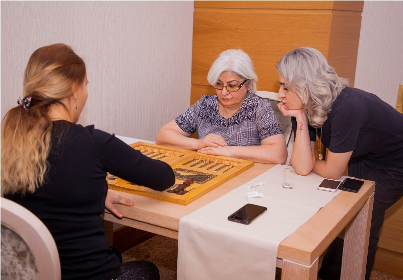 В Баку прошел II закрытый турнир по нардам среди женщин