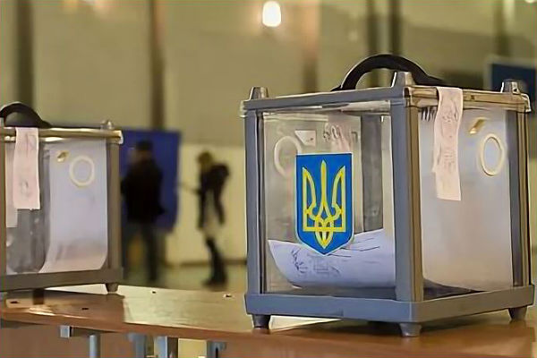 Зеленский продолжает лидировать на выборах после обработки 80% бюллетеней
