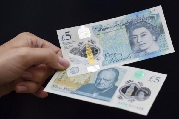 В Азербайджане хотят перейти на пластиковые банкноты