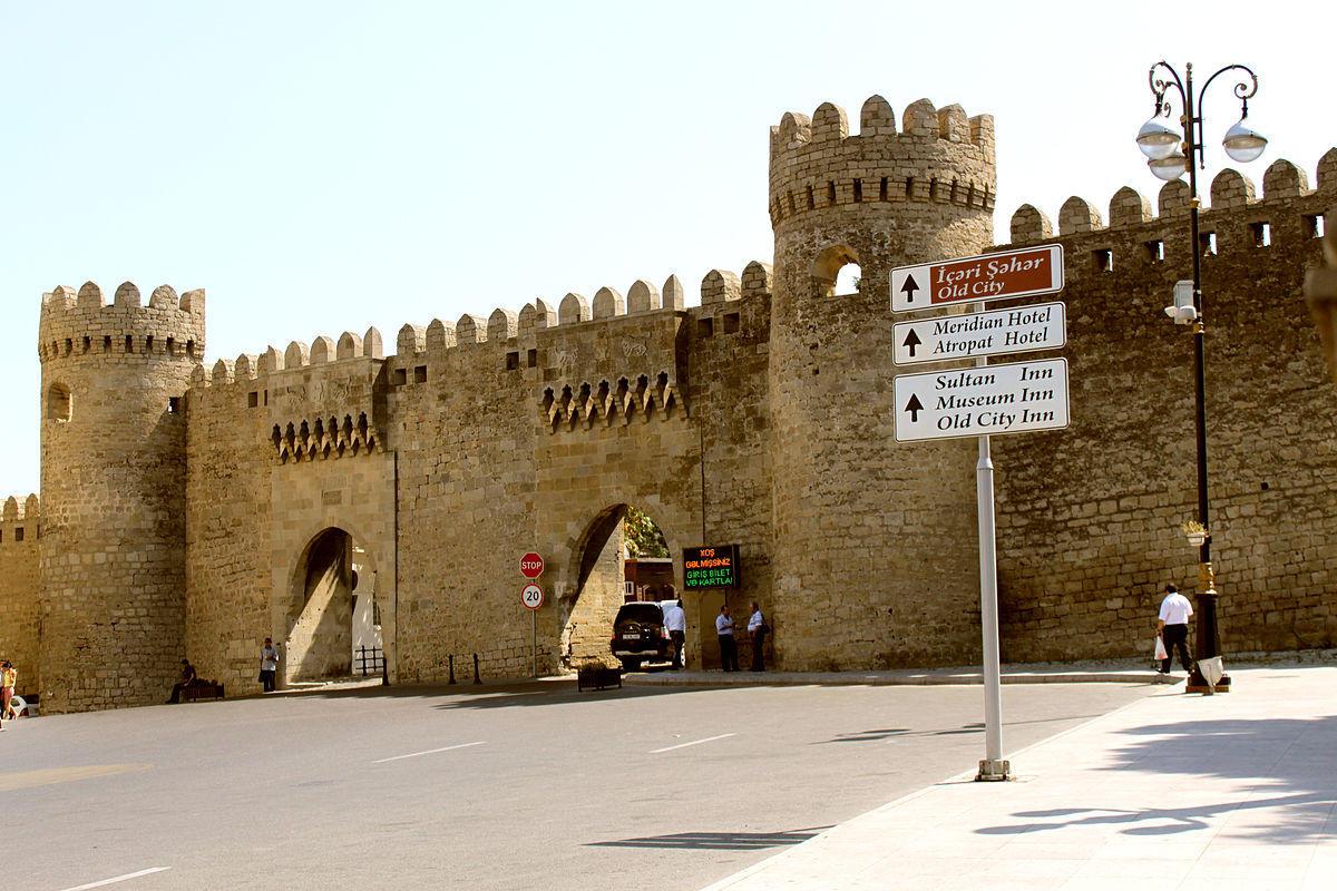 Завершилась реконструкция подземного хамама на улице Беюк Гала