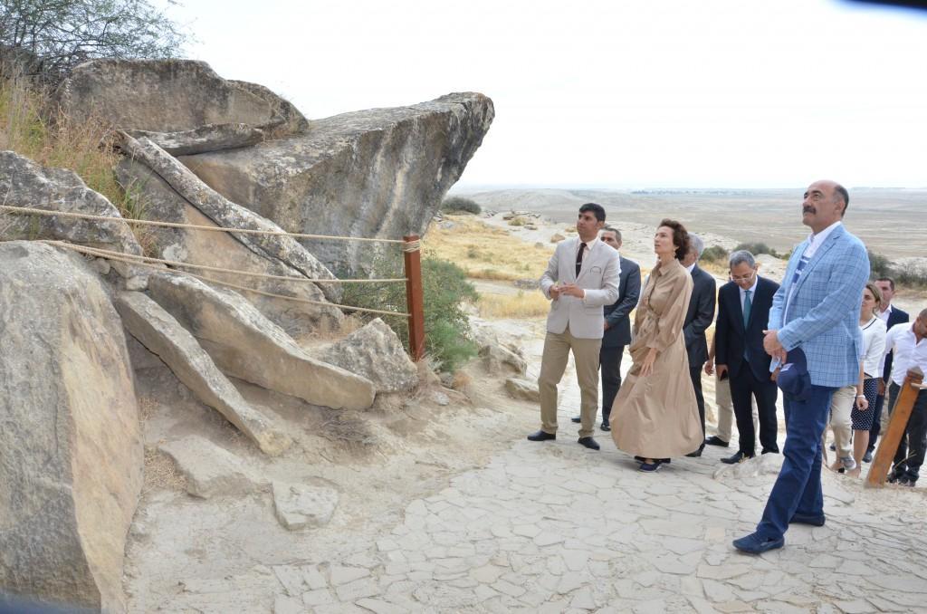 Гендиректор ЮНЕСКО посетила Гобустанский заповедник
