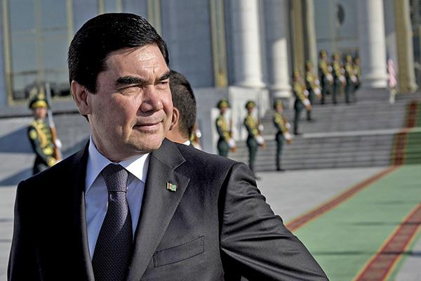 Противоречивые сообщения о смерти Президент Бердымухамедова: Вопреки слухам о смерти Президент поздравил туркменских медработников с праздником