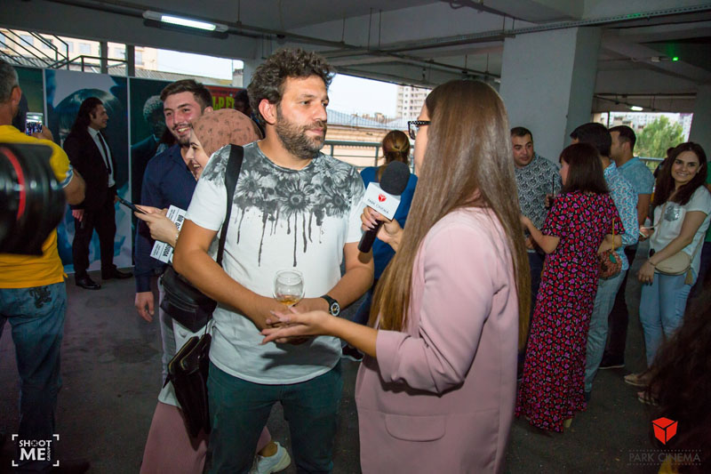 В Баку состоялся закрытый показ «Однажды в Голливуде» с персонажами фильмов Тарантино