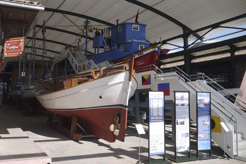 Музей Рахми Коча – самый необычный музей  в Стамбуле