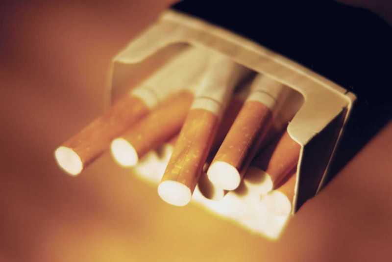 Азербайджан почти вдвое сократил импорт сигарет из Грузии