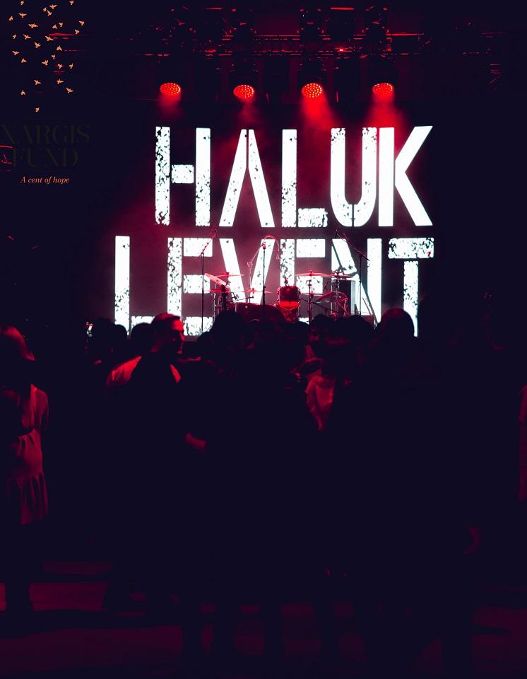Благотворительный концерт Халюка Левента в Баку [Обновлено]