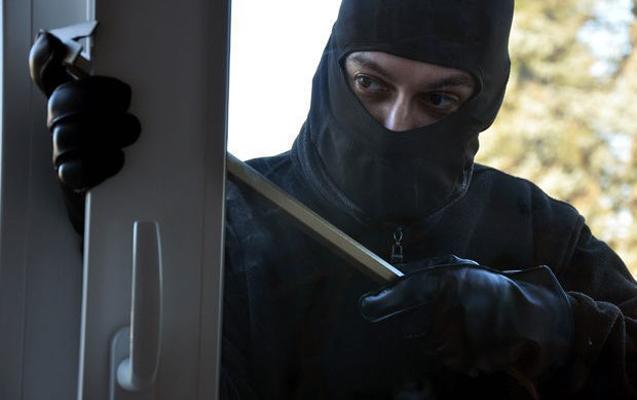 В новогоднюю ночь совершена кража на 400 тыс. манатов из виллы