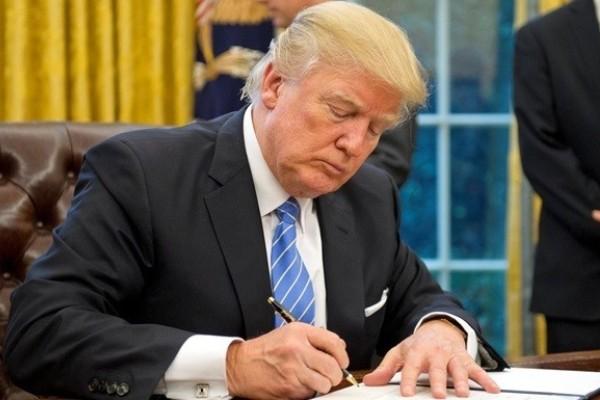 Трамп категорически отрицает все обвинения по импичменту