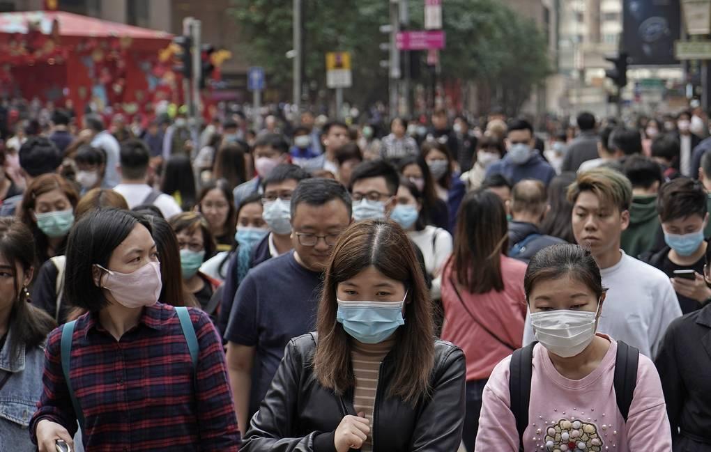 Число заразившихся коронавирусом в Китае достигло 1975, умерли 56 человек