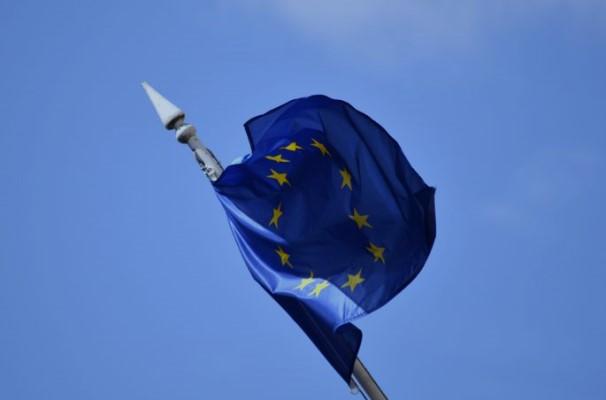 Комиссар ЕС: Вызванная пандемией рецессия грозит разорвать еврозону