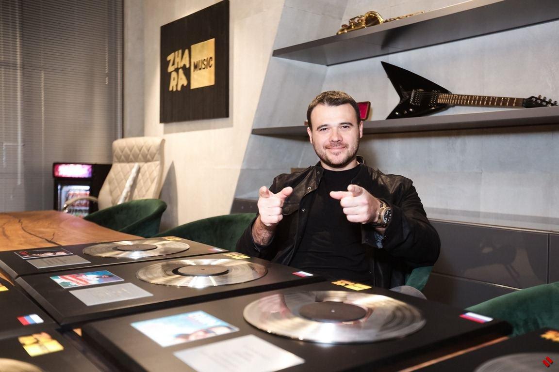 EMIN получил платиновые диски за свои песни [ФОТО]