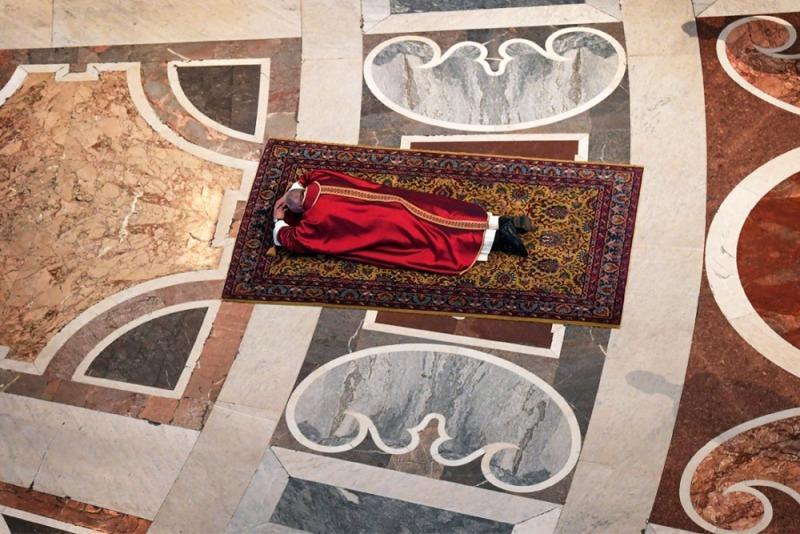 У Папы Римского Франциска взяли анализы на коронавирус [Обновлено]
